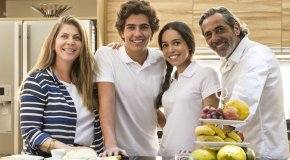 IUSD family in healthy kitchen